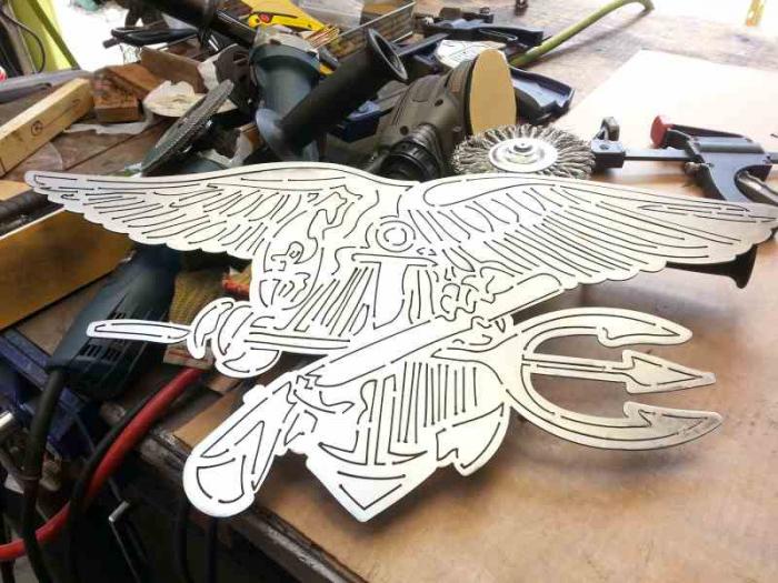cutting-detail-navy-trident1